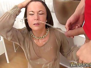 Kinky whore gets facial